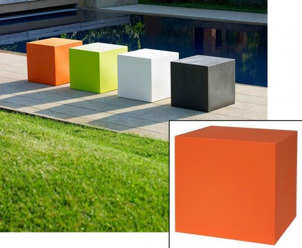 Kunststoff Kube als Sitz oder Stapelwürfel orange farbig mit 40x40cm für Innen und Außen