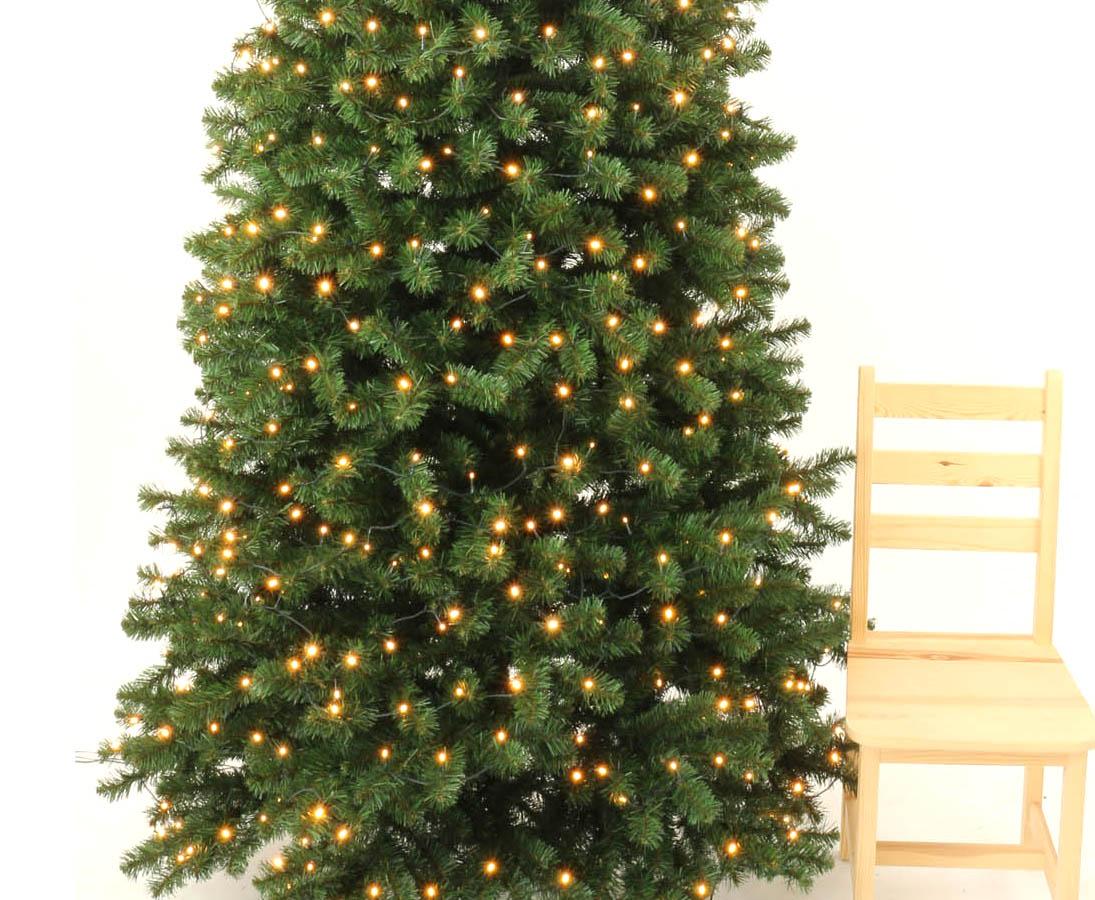Weihnachtsbaum Künstlich 240 Cm.Weihnachtsbaum Künstlich Georgia 240cm Mit 288 Leds 950 Zweige Mit Grünen Pvc Nadeln B1