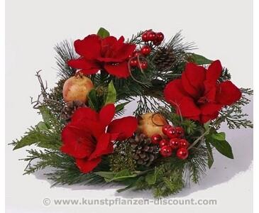 Weihnachtskranz mit einem Durch. von 40cm, mit Blüten und Äpfel bestückt